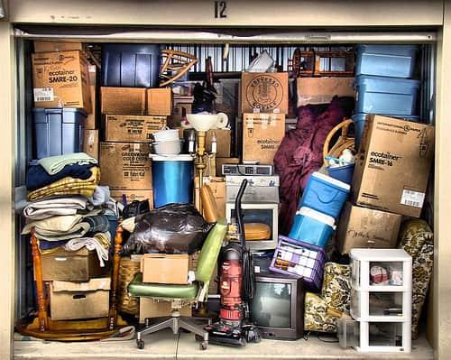 sgombero locali garage Garage pieno di oggetti